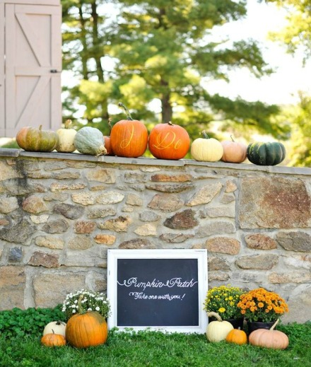 fall wedding pumpkins